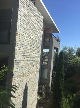 LOGEMENT COLLECTIF - façade parement pierre