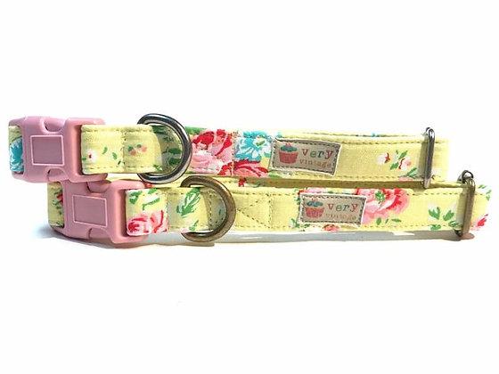 Very Vintage Flower Shoppe Collar