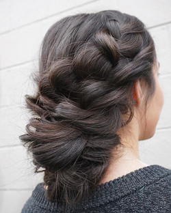 10 minute updo? Yes, please! Who wants a