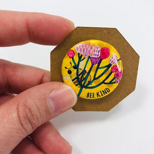 Small Bee Kind pin