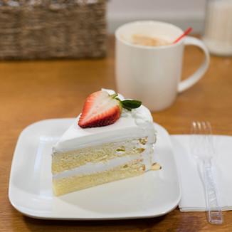 White Cake.jpg