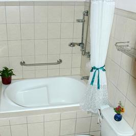 Casa Grande Bathroom.JPG.jpg