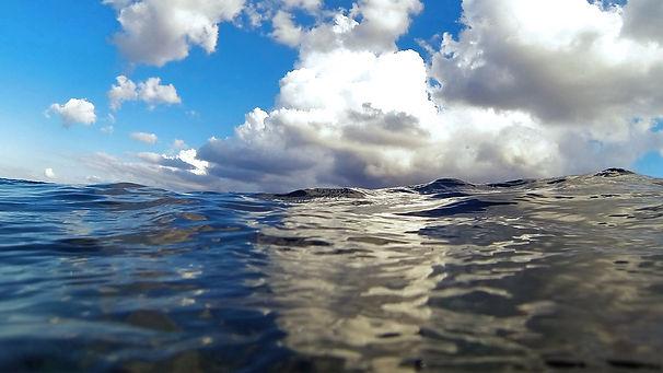 bg-underwater.jpg