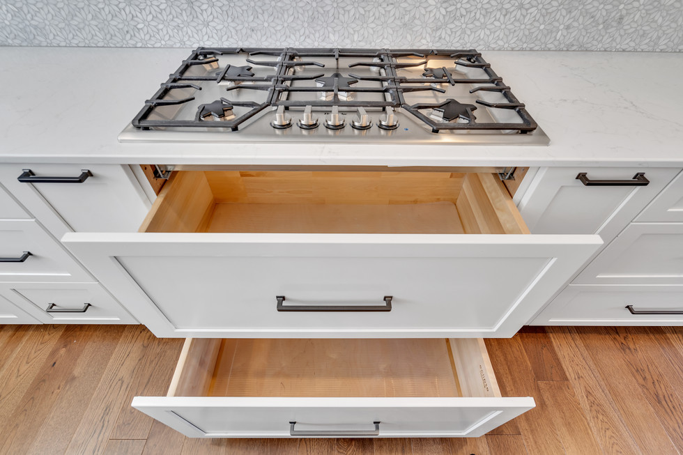 Thermador Cooktop with Under Stove Drawers
