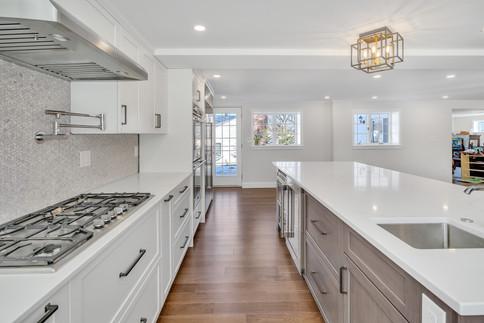 Kitchen With Island Worktop