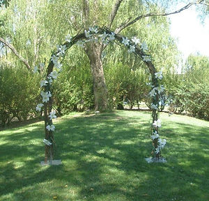 Willow-Arch-With-White-Lillies-LARGE.jpg