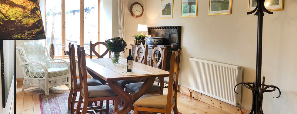 dining room to window.jpg