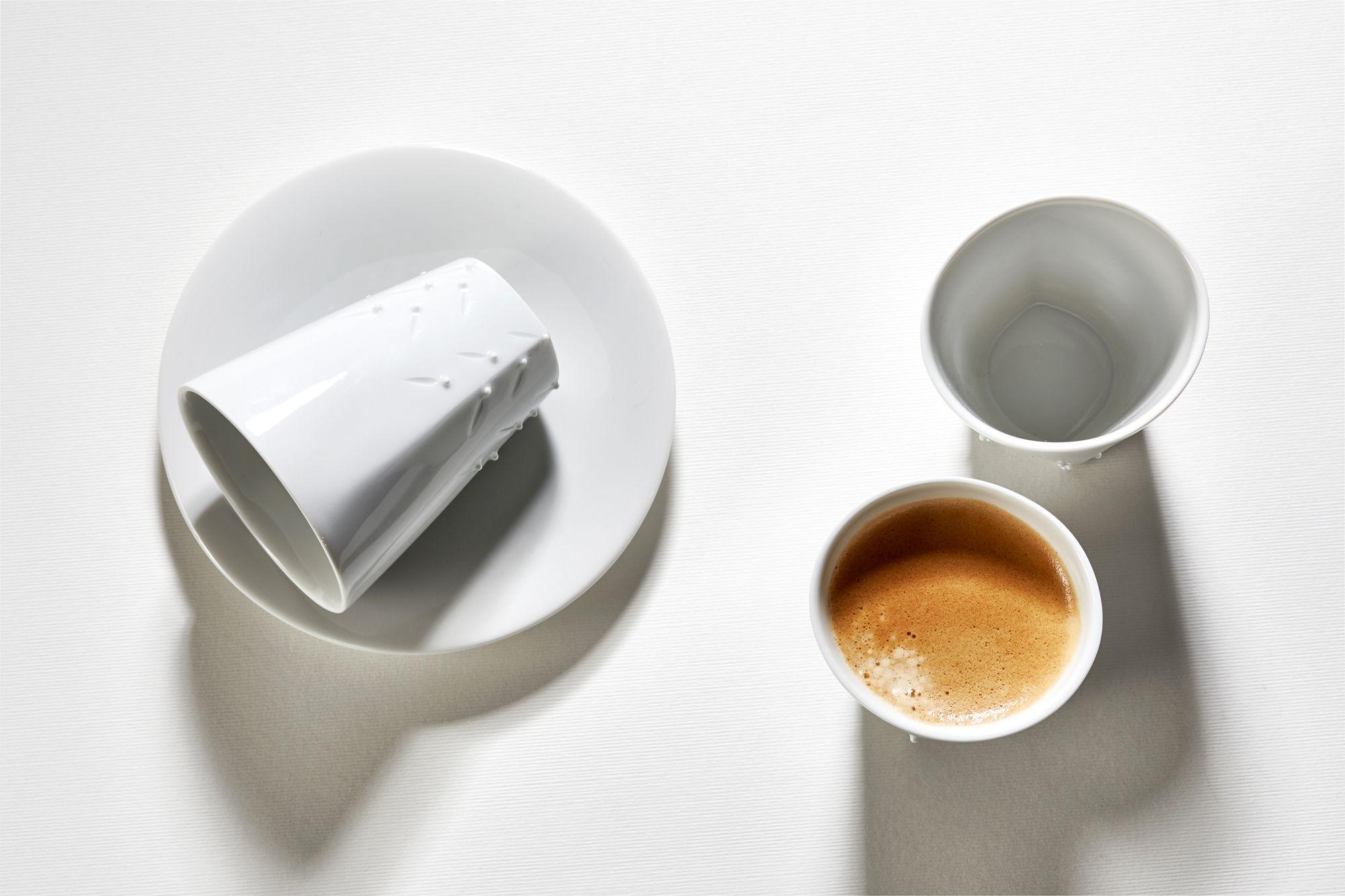 Nela porcelán