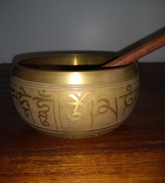 Taça Tibetana com mantras | Foto Robriane Lara ©