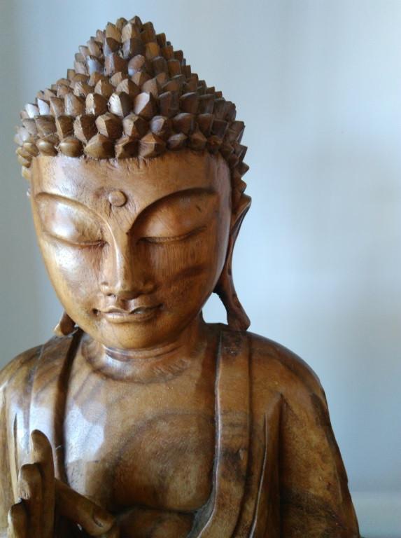 Lord Gautama, Buda, em escultura de madeira   Foto Robriane Lara ©