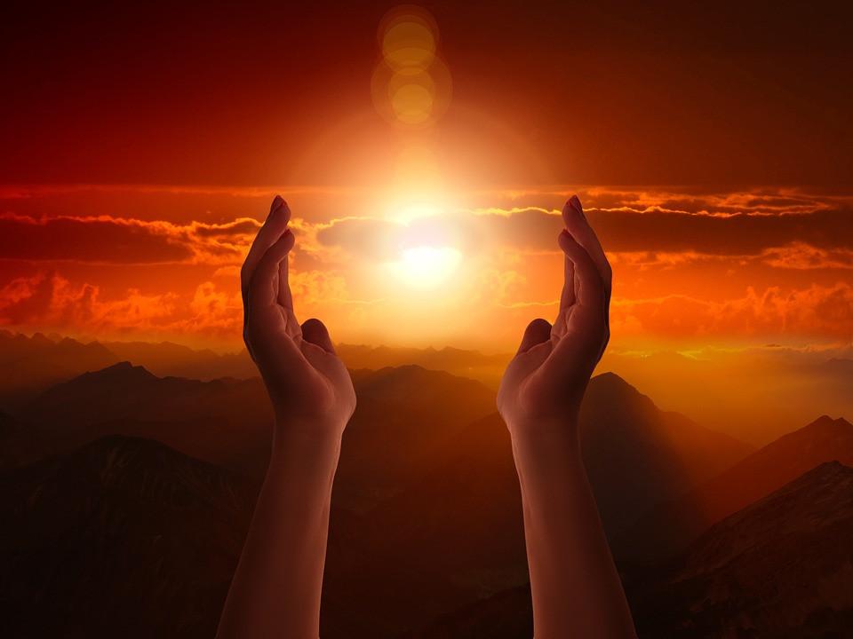 Mãos em Oração | Foto Pixabay