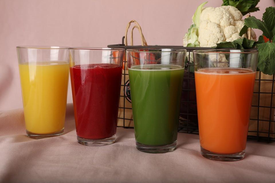 Suco de Abacaxi, Beterraba, Couve com Limão e de Cenoura | Foto Pixabay