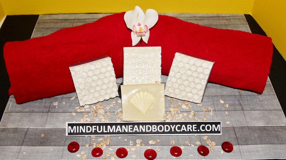 Kimmie Essential™ Oatmeal Honeycomb Bar Soap