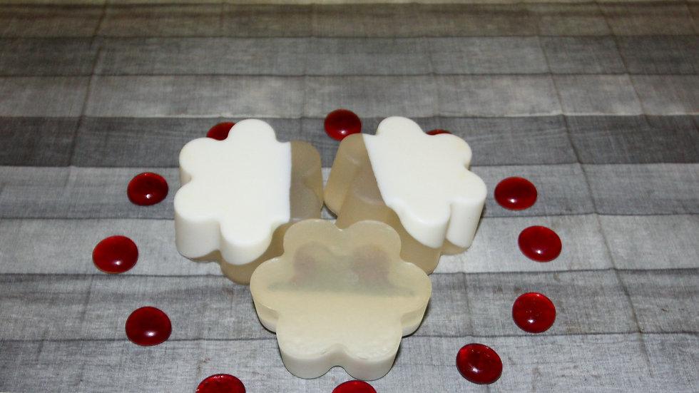 Kimmie Essential ™ Buttermilk Honey Soap
