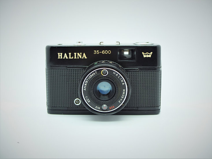 Halina 35-600 35mm Camera