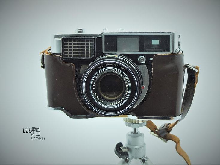 Fujica 35 EE 35mm Rangefinder Camera & Case