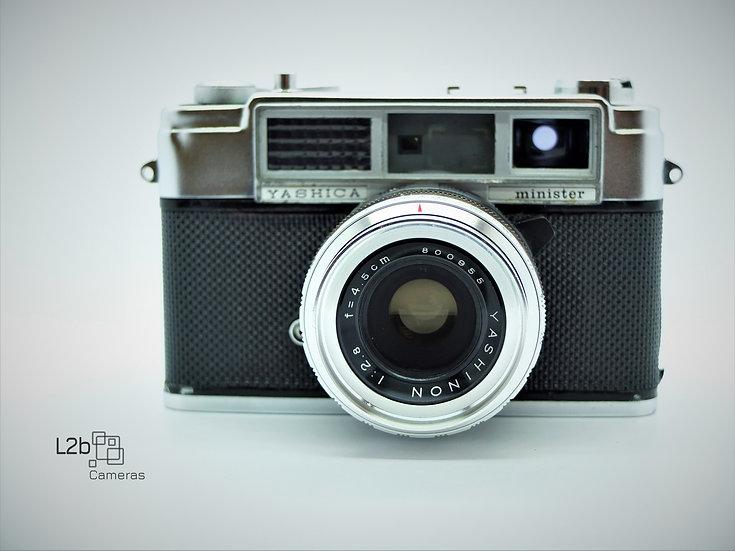 Yashica Minster ll 35mm f/2.8 Vintage Rangefinder Camera