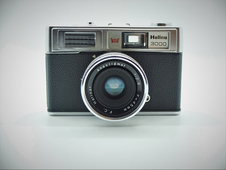 Halina 3000 Vintage 1974 35mm Camera