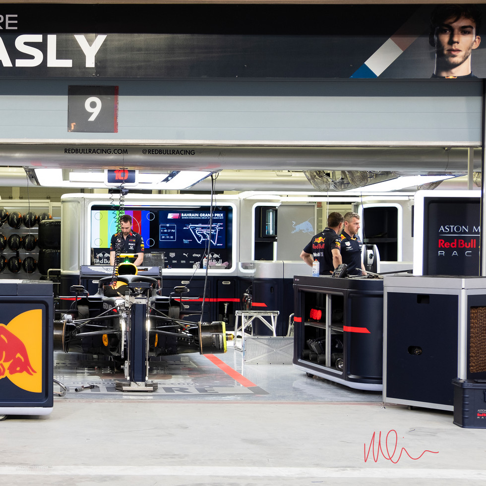 Red Bull Pit Pierre Gasly.jpg