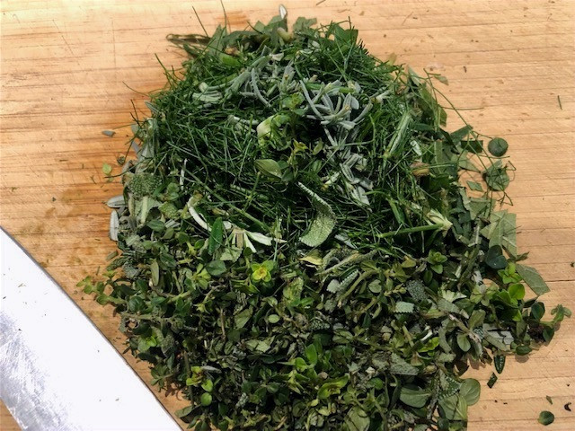 www.lifeloveandlettuce.com chopped herbs