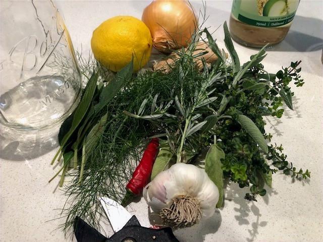 www.lifeloveandlettuce.com Herb vinegars for winter