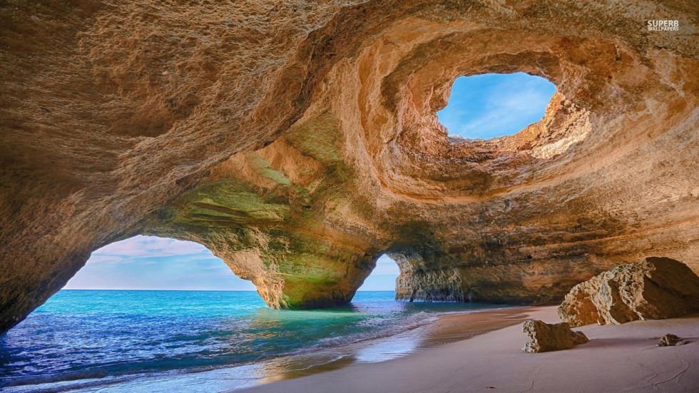 Caves-in-Algarve-980x551.jpg