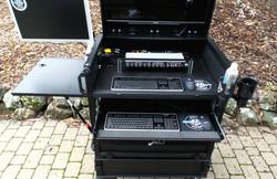 Bigfoot Side Operator 30D  upper 2RU rack 16