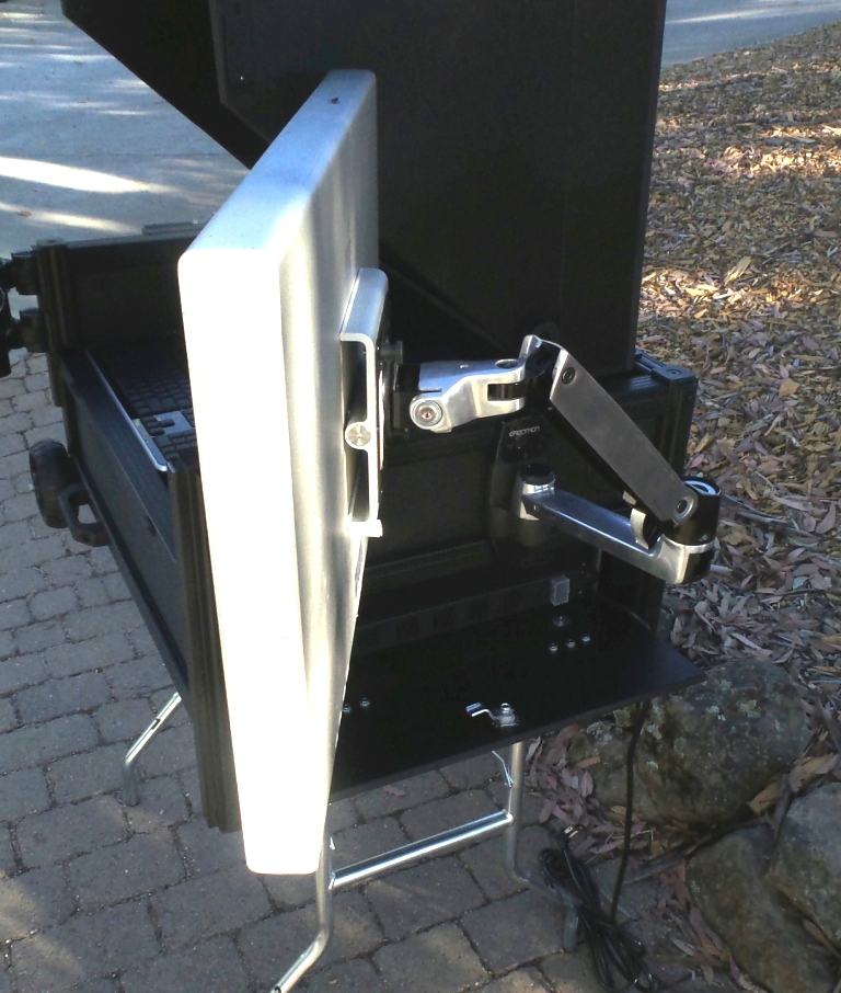 Versa Flypak side articulating mount option