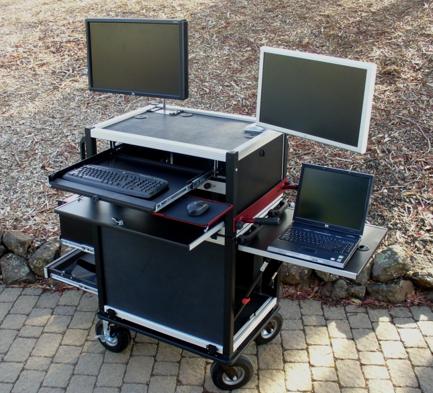 Bigfoot 2014 MAC  Split-apart Side operator with babypin and articulating monitors