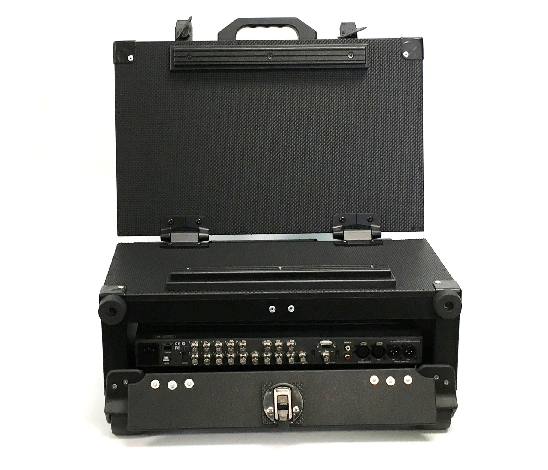 Versa Briefcase rear access