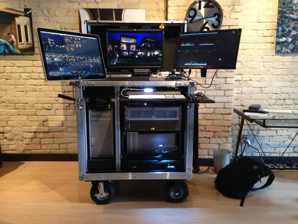 Bigfoot Roadie Series Dual Mac N Rack cart
