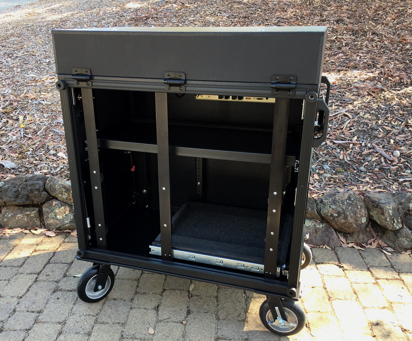 Side Operator 38D  removable rack side panel