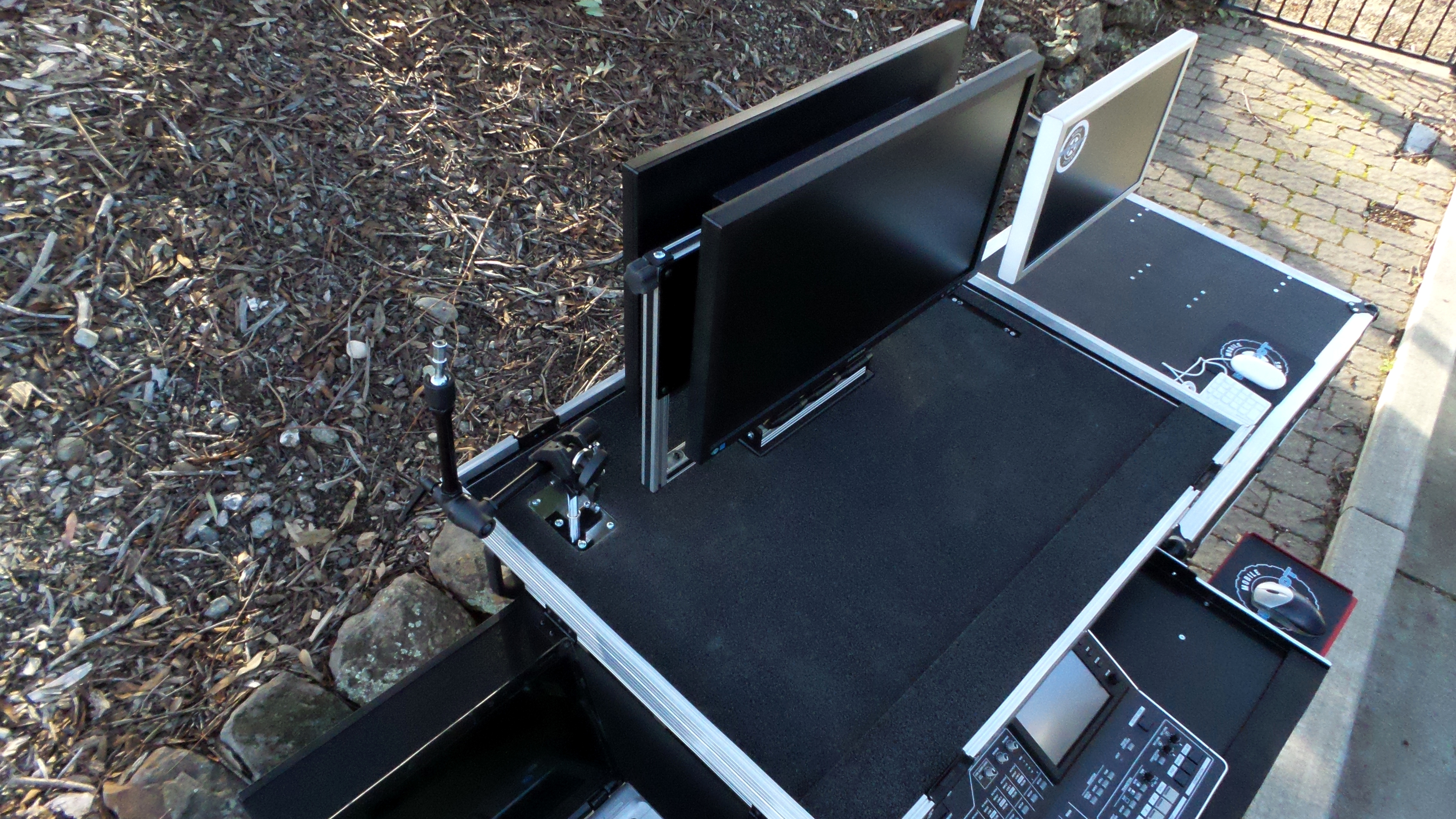 Bigfoot Roland System with dual monitor swingup mount