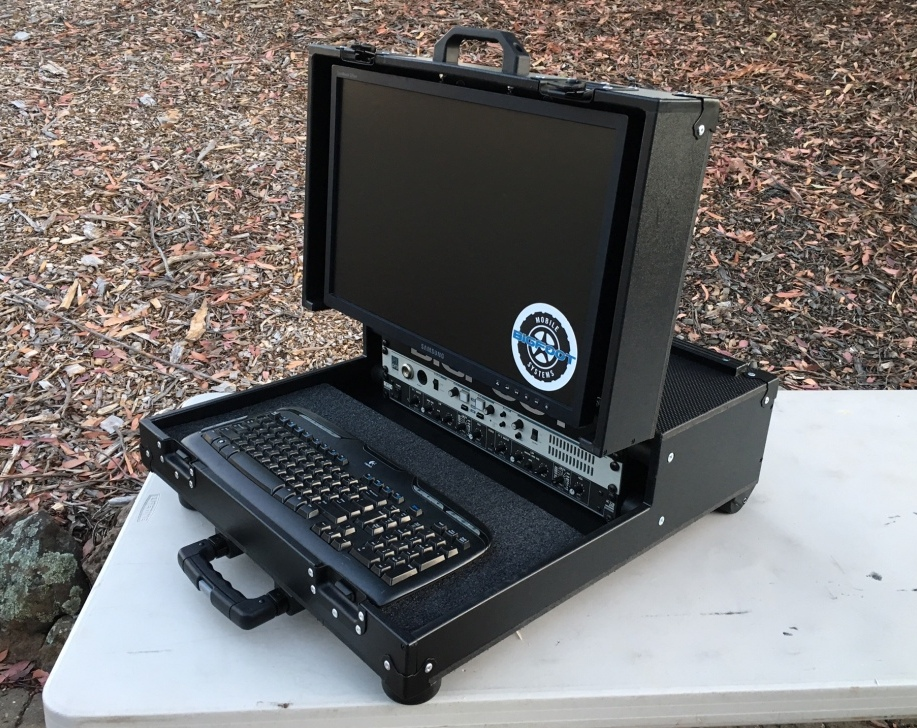 Bigfoot 'Briefcase' 3RU video with standard VESA monitor
