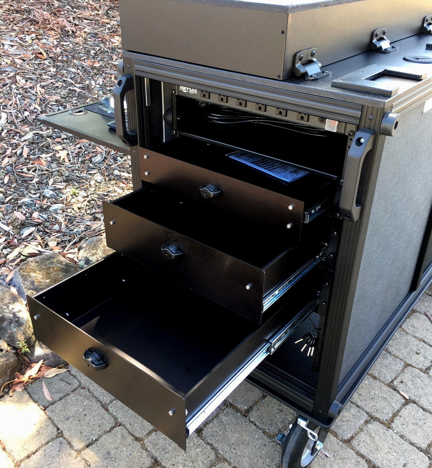 Alumimum Rack Mount Locking Drawers