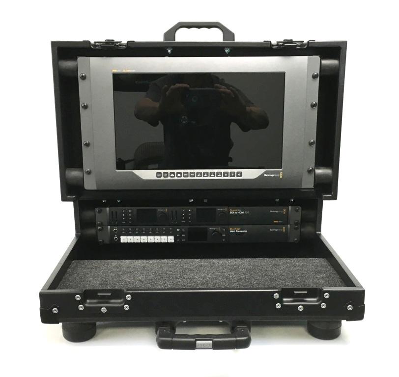 Bigfoot Briefcase Flypak open 8RU 'shockrack' front