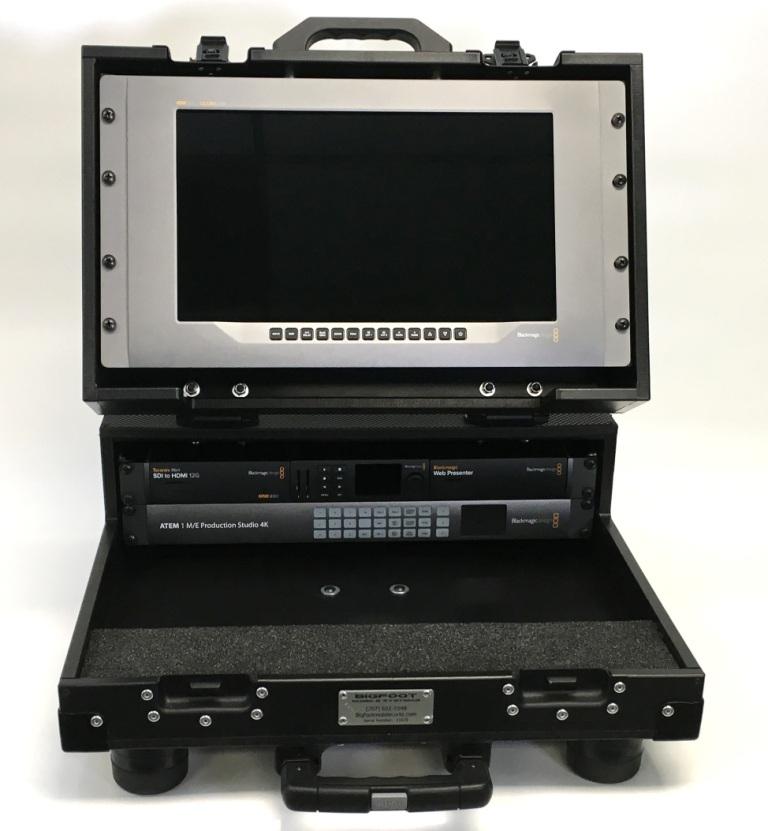 Bigfoot Briefcase Flypak open 8RU  front