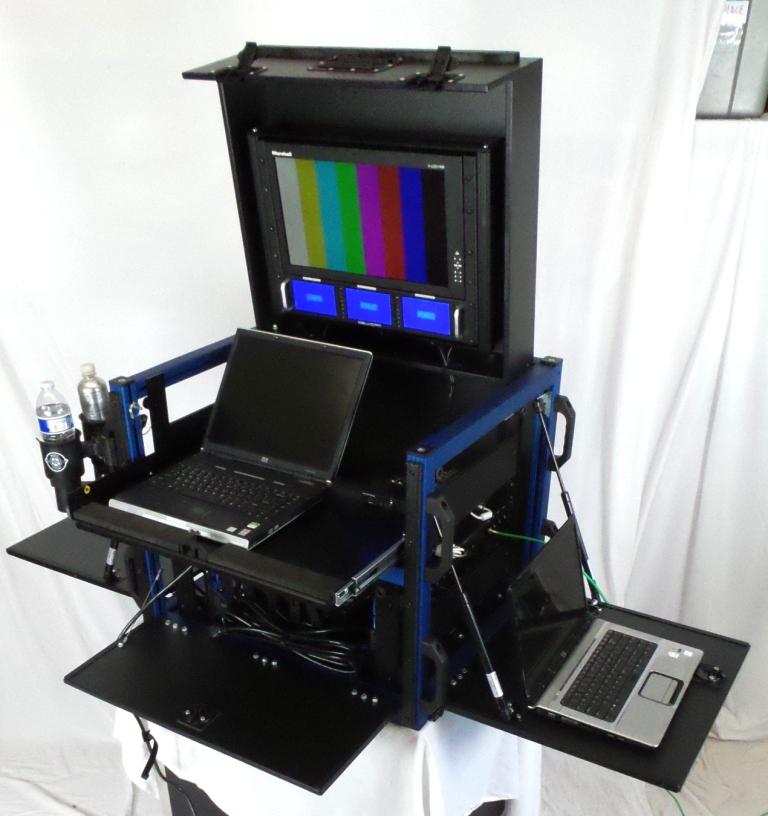 Bigfoot Versa Cube with in-lid rackmount monitors