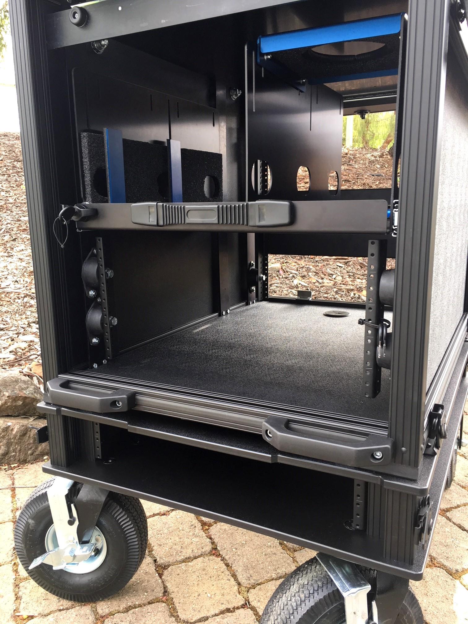 Deluxe ShockRack MACPRO drawer combo