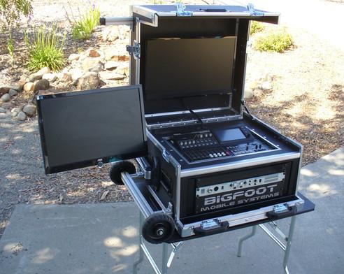 Roland-Bigfoot Versa Flypak VR-HD50 with side monitor option.JPG