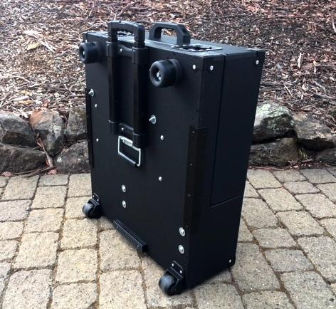 Versa Briefcase closed