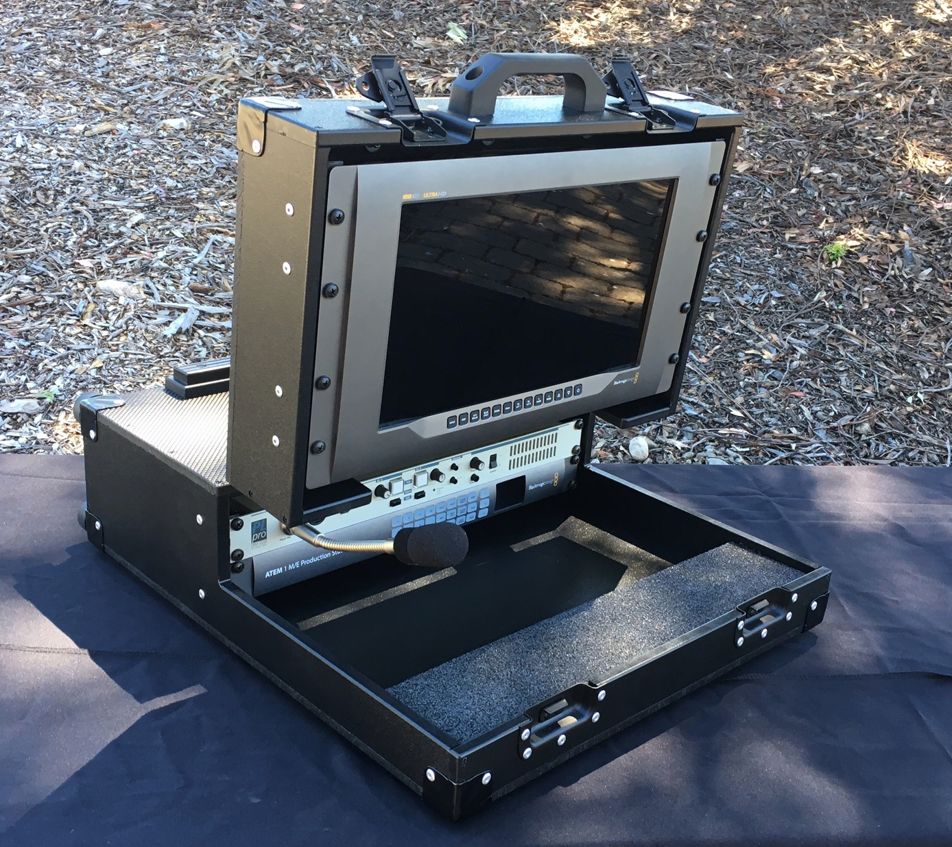 Versa Briefcase with no optional handle or feet