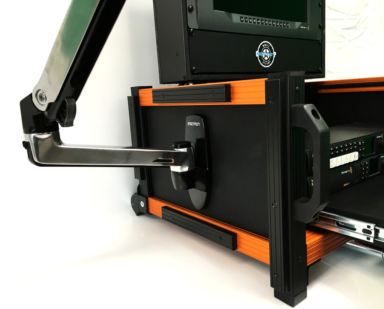 Versa Micro Flypak Side Articulating mount_edited