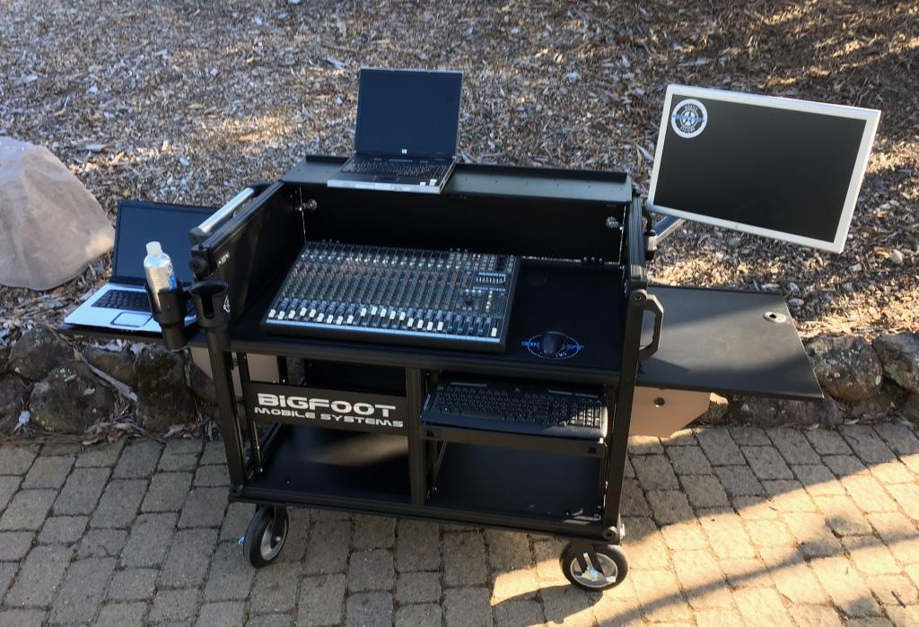Bigfoot Large Audio Console System open - sml