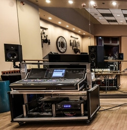 Bigfoot CL-5 console catrt at NJPAC installed