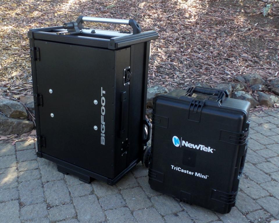 Versa Mini Flypak and Newtek Pelican case comparison