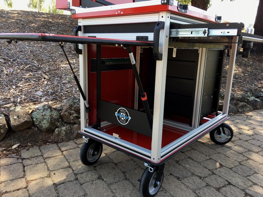 Bigfoot Doublewide cart with adjacent racks to operator 3