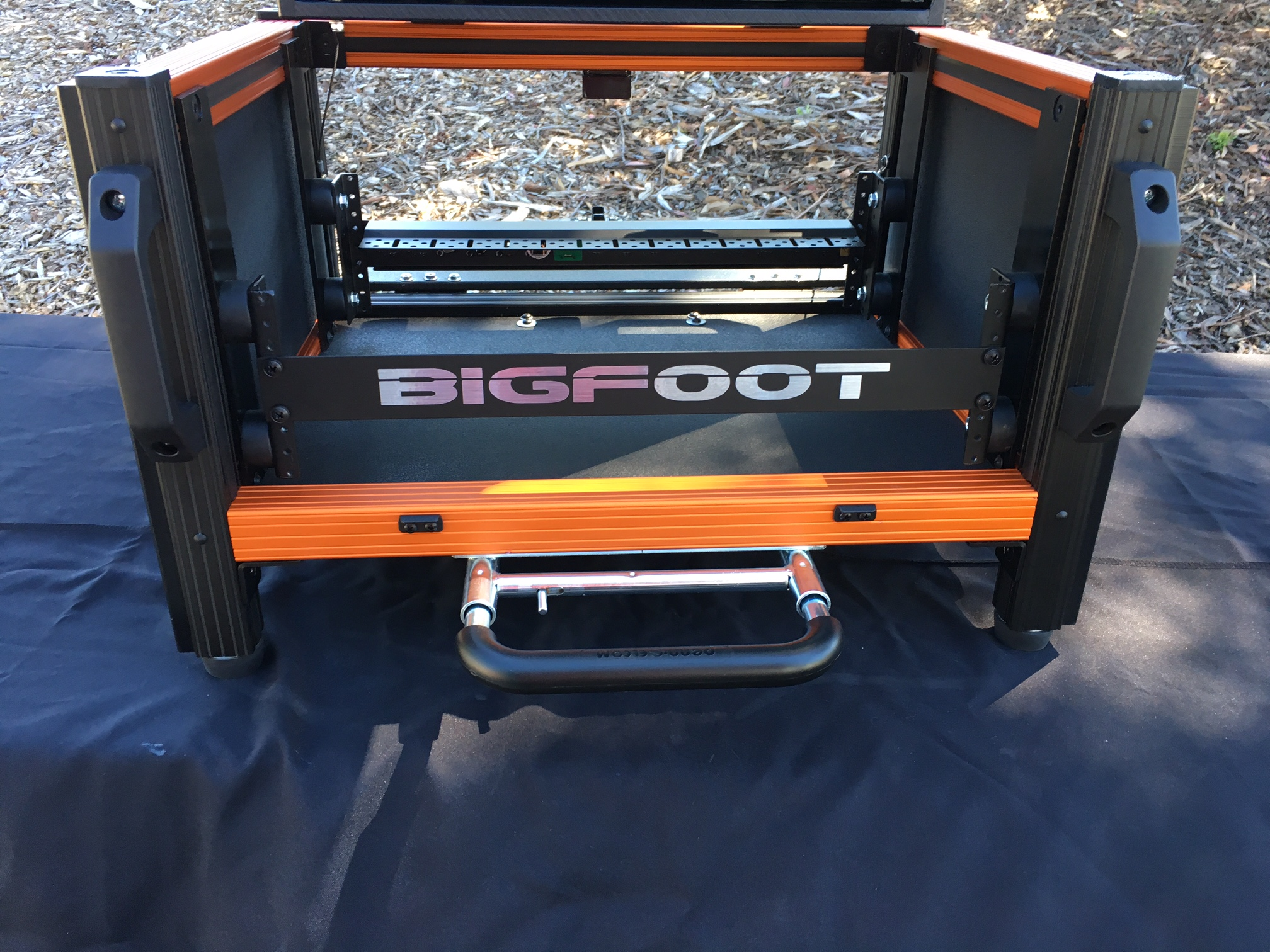 Bigfoot Micro Versa Flypak shockrack detail