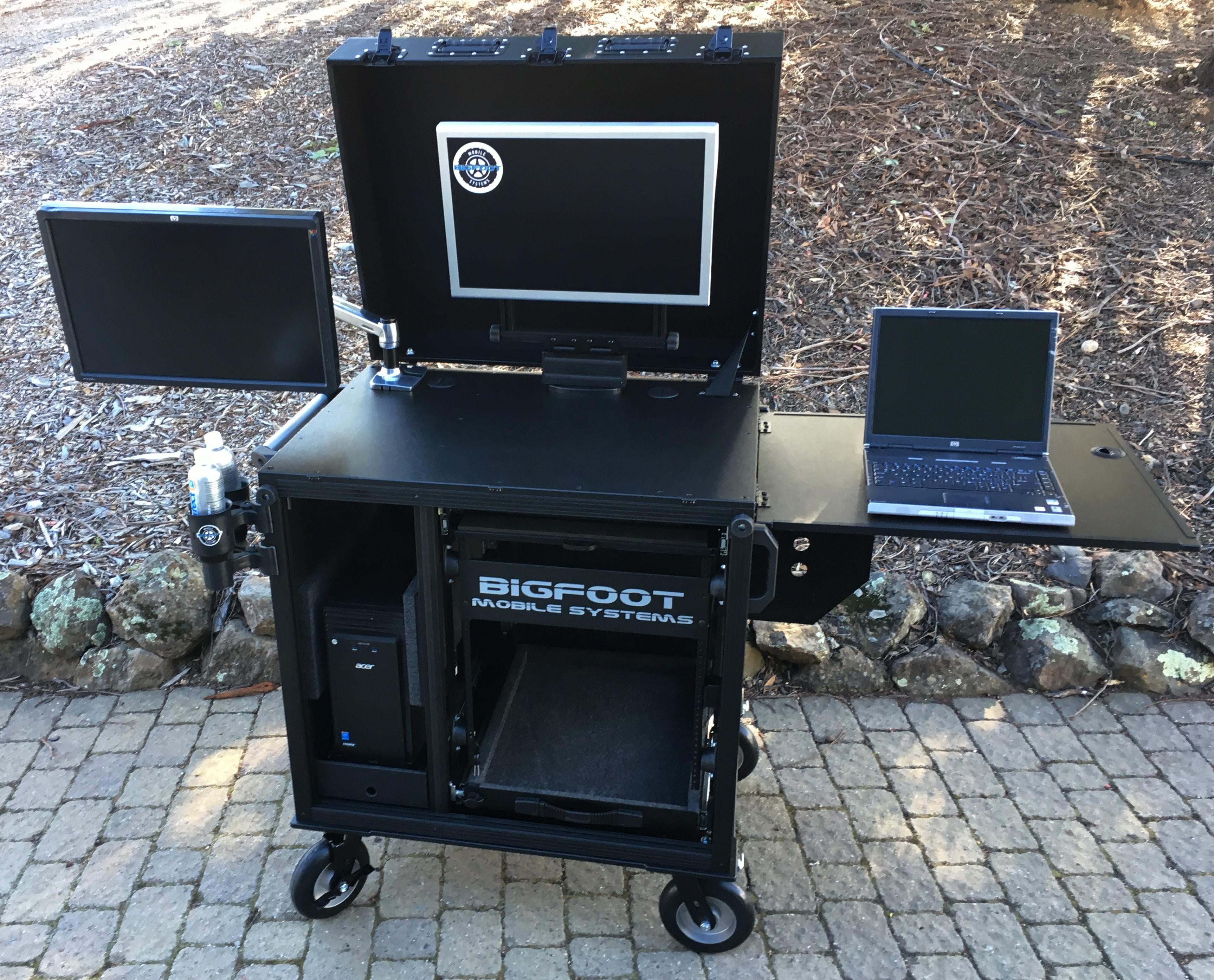 RackPlus with hinged lid, dual monitors 4