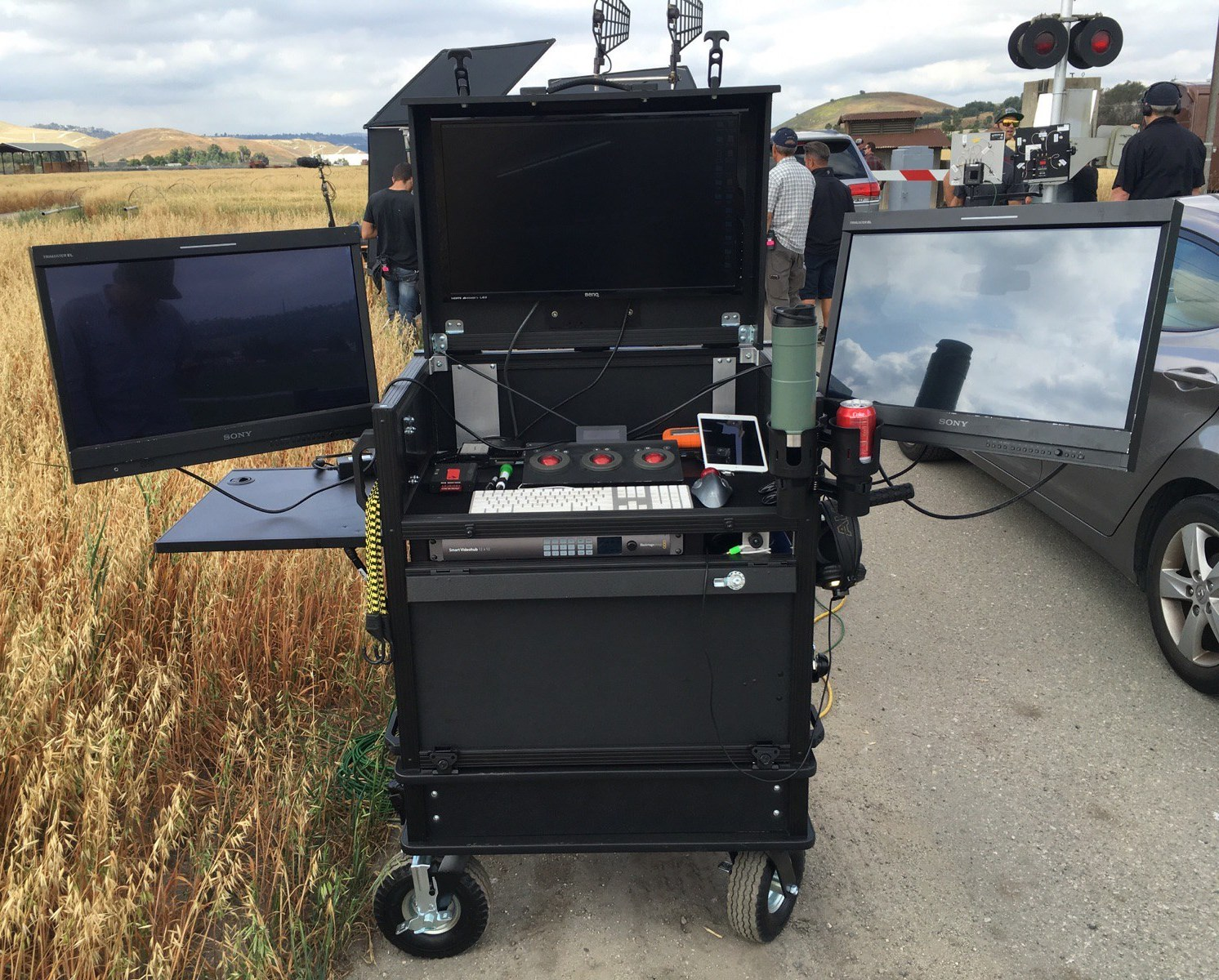 Side Operator Split-apart with integral lid, On Set 8